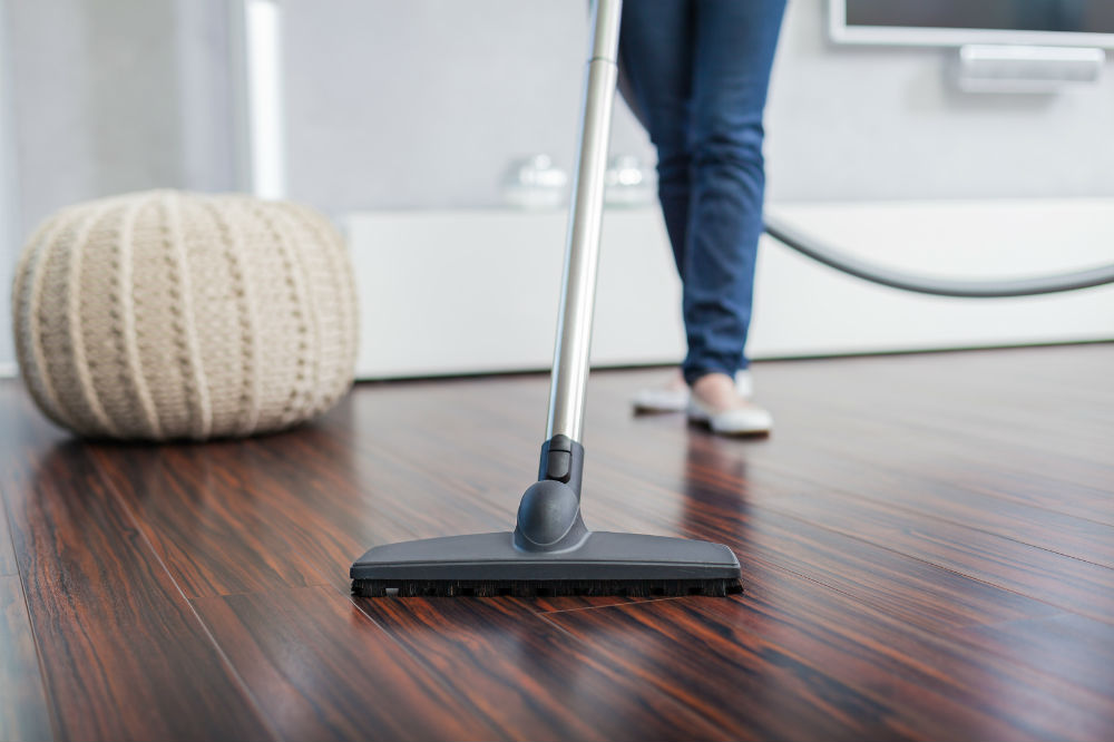 Canister Vacuums: Finding the best one for hardwood floors